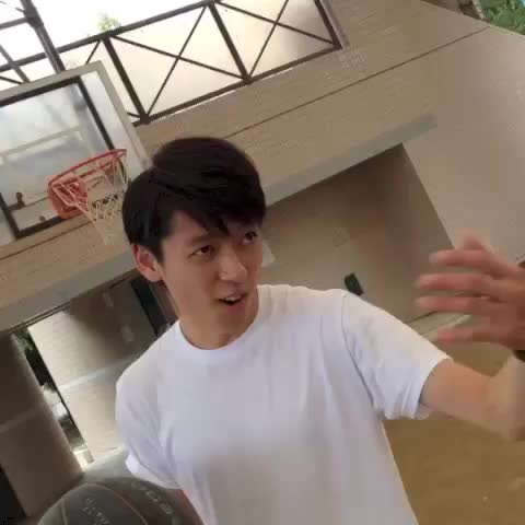 morisukes post on Vine - バスケしようぜ!#morisuke ゴルゴ郷原, TAICHI #basketball - morisukes post on Vine