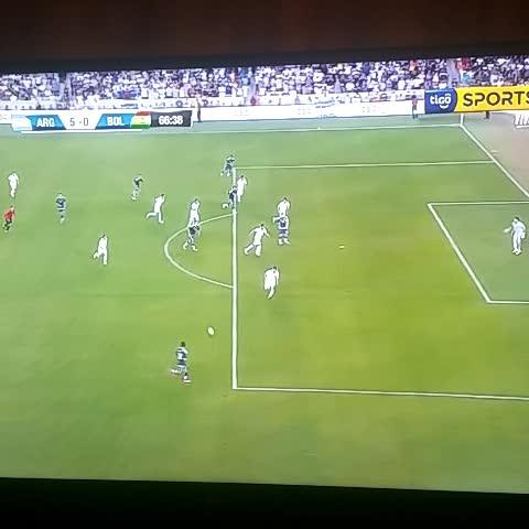 #Argentina 5 #Bolivia 0 Messi entró y la metió - Vine by Ezequiel Serres - #Argentina 5 #Bolivia 0 Messi entró y la metió