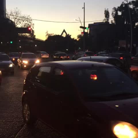 Ligero percance en Av. Guadalupe y Lázaro Cárdenas en dirección a la glorieta Chapalita #trafico complicado - TraficoZMGuadalajaras post on Vine