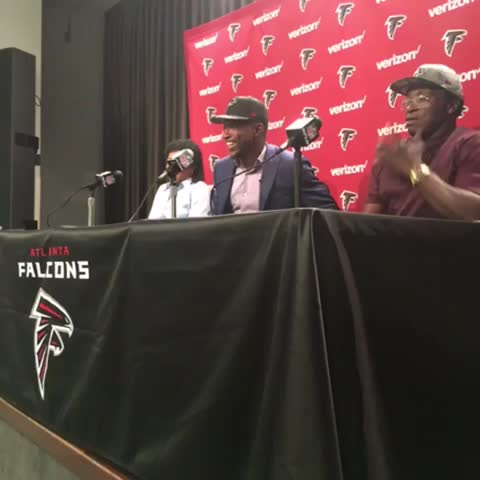 Vine by Atlanta Falcons - Photos with mom and dad before the press conference. #atldraft