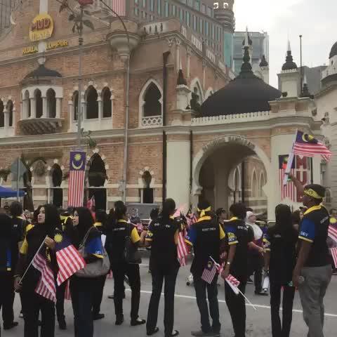 Malaysians gathering at Dataran Merdeka. The Merdeka parade will start at anytime. @501awani - Syafiques post on Vine