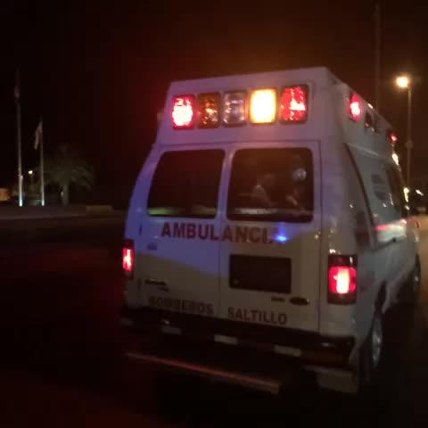 Volcadura en V Carranza y José Narro. Bomberos atiende lesionada. #saltillo - nSaltillos post on Vine