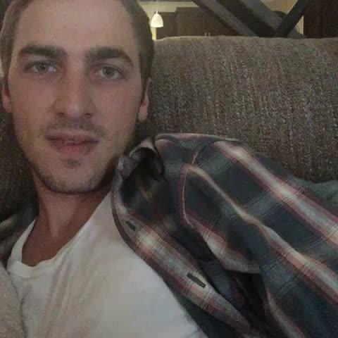 "Kendall Schmidts post on Vine - ""At my House"" #kendallschmidt #HeffronDrive #yumathepig - Kendall Schmidts post on Vine"