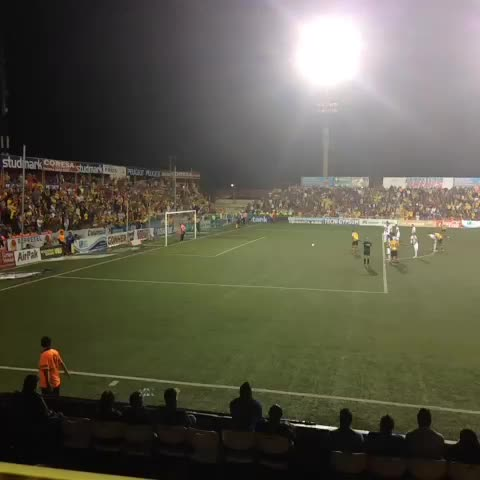 Así cae el gol de Herediano. 1-0 ante LDA @DeportesLN - DaniJ_crs post on Vine