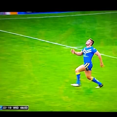 Daniel Brookfields post on Vine - Ouch!!!! That is one big, big hit #RugbyLeague - Daniel Brookfields post on Vine