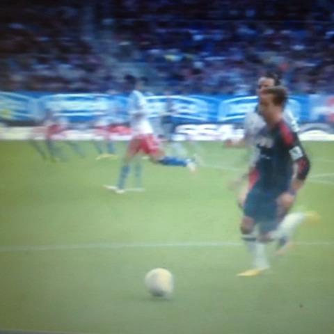 Football viness post on Vine - Panna Mario Gotze - Football viness post on Vine