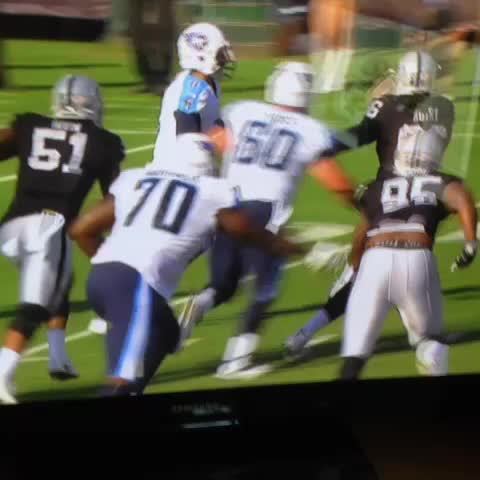 Vine by Rob Rang - Mariota takes a shot to the chest from Ben Heeney. Comes back firing strikes.