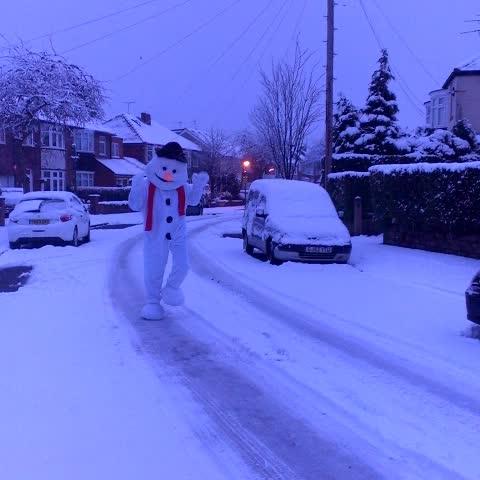 Vine by Photographer Jake O - Someones happy!  #Sheffield #SnowMan #Snow #SnowDay  #CanWeBuildASnowman