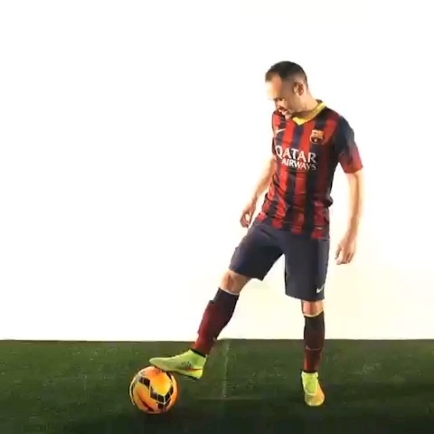 Nike Football (Soccer)s post on Vine - Iniesta could do this all day. #Magista - Nike Football (Soccer)s post on Vine
