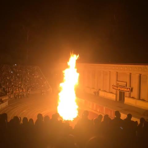 Cal Rivalss post on Vine - #BigGame Bonfire Rally 👌 - Cal Rivalss post on Vine