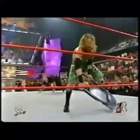 Vine by Wrestling LAD - Goldbergs best spear @goldberg #WWE