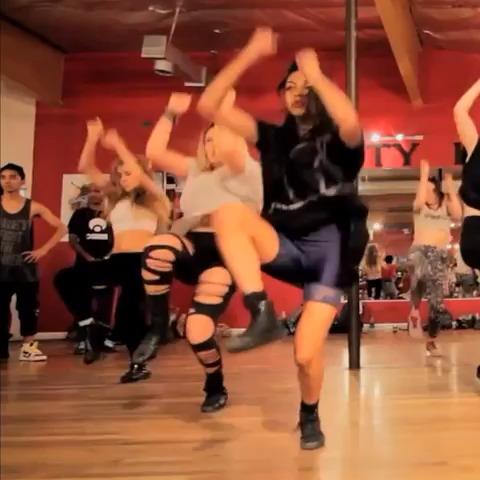 Vine by Dope Dance & Music - Kaelynn Gobert-harris ???????? Song: Busta Rhymes-Twerk it. Full video on YouTube/beast9688