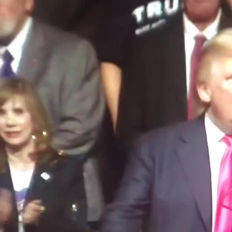 "Vine by Sarah Wood - This womans face when Trump has the nerve to call Hillary a ""bigot"" 😂😂😂 #Trump"