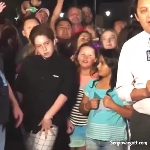 FilthyDrops™s post on Vine - Finally Friday !! Remember to dance like nobodys watching 😎😂 | Original Vine by : unknown #FilthyDrops #EdmHumor #comedy - FilthyDrops™s post on Vine