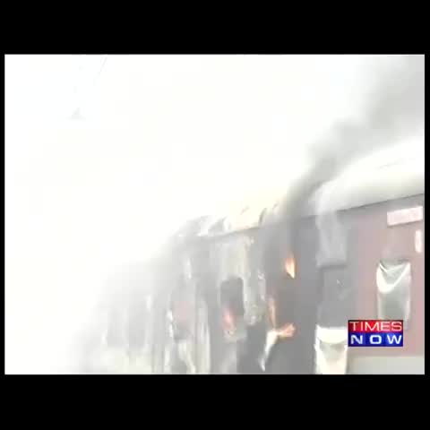 Vine by TIMES NOW - Fire breaks out in the AC coach of Rajdhani Exp while being cleaned.No casualty reported