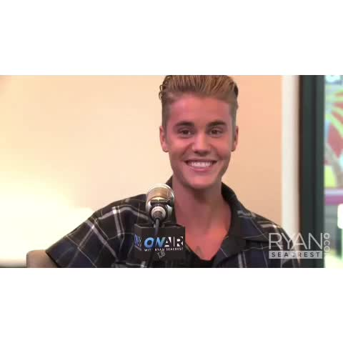 Vine by Team Justin Bieber - Justin went from cute af to hot af real quick 😍
