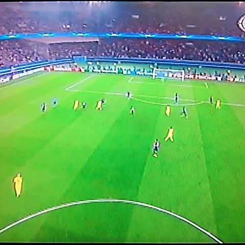 Elisa Hdez. Linaress post on Vine - Gol de Messi para el empate 1-1 con el PSG #UCL @elgraficionado - Elisa Hdez. Linaress post on Vine