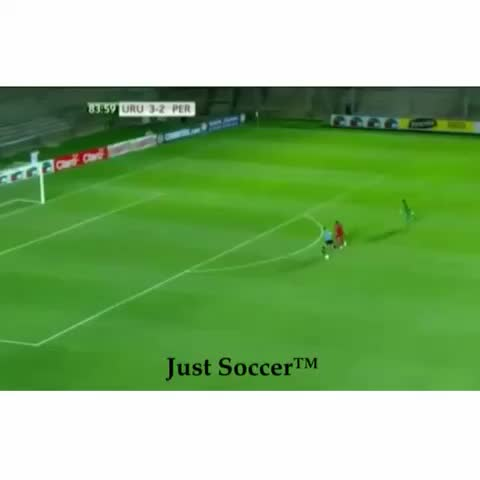 Just Soccers post on Vine - Such a crazy save from this young goalkeeper! 👏#goalkeeper #soccer #crazy - Just Soccers post on Vine