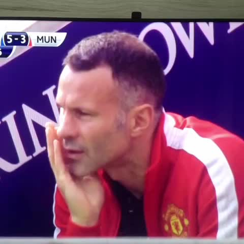 Fred Felipes post on Vine - Leicester 5! whats up Giggs? van Gaal? - Fred Felipes post on Vine