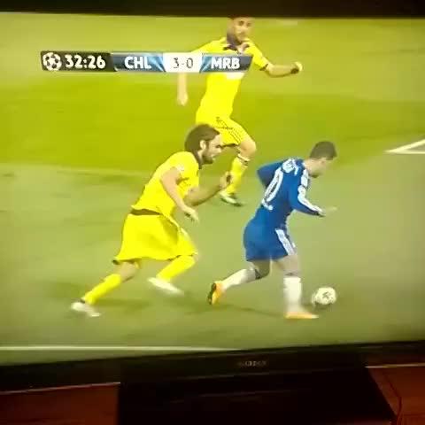 @Mourinholics post on Vine - Hazard Rabona. - @Mourinholics post on Vine