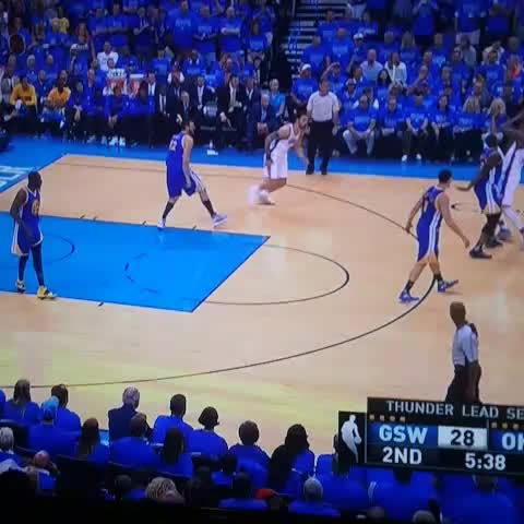 Vine by PerSources.com - Steven Adams just baptized Draymond Green !!!!!!!!!!!!