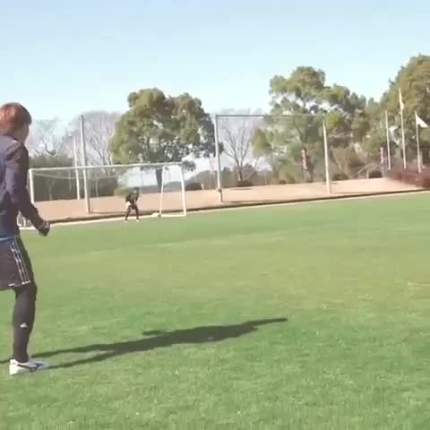 HD Soccer Goals™s post on Vine - Is this real life...? What a curve. Just wow.💨⚽️ #soccer #goalaso #tokyo #curve #thatcurvetho #deorro #trap #skilledgoal #outsidecurve✨ - HD Soccer Goals™s post on Vine