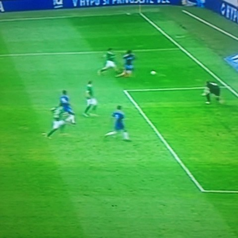 IS THIS THE WORST MISS IN THE HISTORY OF FOOTBALL FROM TORRES? - Follow @BettingAccas On Twitters post on Vine