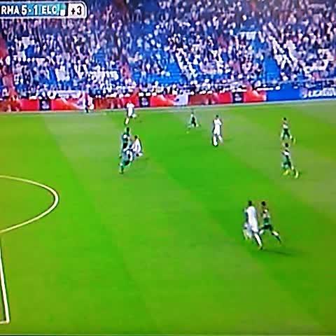 Elisa Hdez. Linaress post on Vine - Cuarto gol de Cristiano en el partido para el 5-1 sobre el Elche @elgraficionado - Elisa Hdez. Linaress post on Vine
