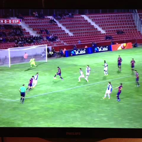 Diloos post on Vine - Goal Pique @barcastuff - Diloos post on Vine
