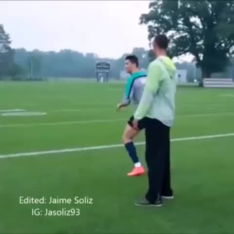 Jaime Solizs post on Vine - Cristiano Ronaldo throwing a football ... #adamlevine #nutshot #highnotes - Jaime Solizs post on Vine