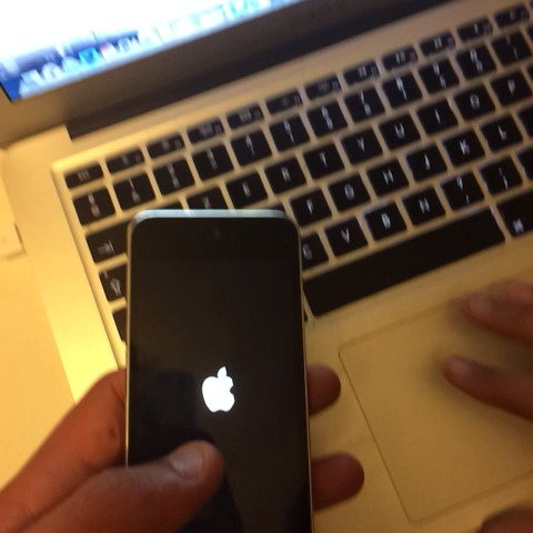 Théo Vergnauds post on Vine - iPod 5 on a fan 😂 - Théo Vergnauds post on Vine
