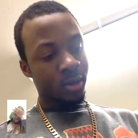 SamTakesOffs post on Vine - When guys dont want to answer a question on Facetime #SamTakesOff #possibleRemakeIdk - SamTakesOffs post on Vine