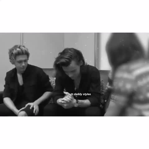 Vine by daddy styles - THE WAY THEY GLANCE INTO THE CAMERA AGHHHHH   // lola sorry about quality