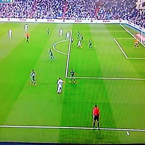 Bale (Real Madrid) empata 1-1 con el Elche al minuto 19 @elgraficionado - Elisa Hdez. Linaress post on Vine