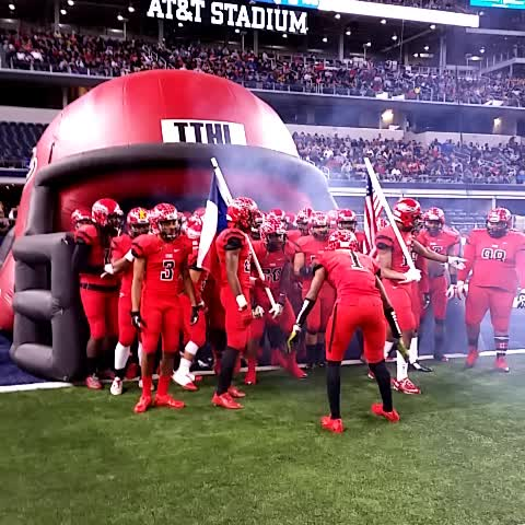 Vine by WVWilkerson - #TTHL getting ready for second half. #TXHSFBPlayoffs hornsdigest.com