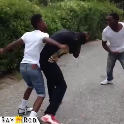 Ray Rod (Edit Beast)™s post on Vine - This is what I imagine the kid on the right was doing during this fight. 😂 S/O: Batista for idea! Chris Paxx for footage. - Ray Rod (Edit Beast)™s post on Vine
