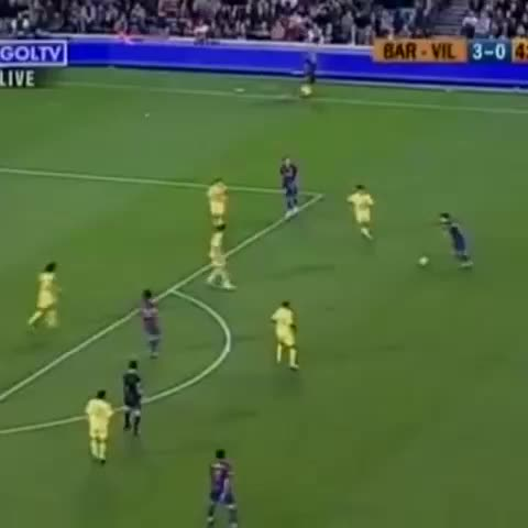 Another Ronaldinho special, vs Villarreal in 2006 this time. - Vine by thetopcorner - Another Ronaldinho special, vs Villarreal in 2006 this time.