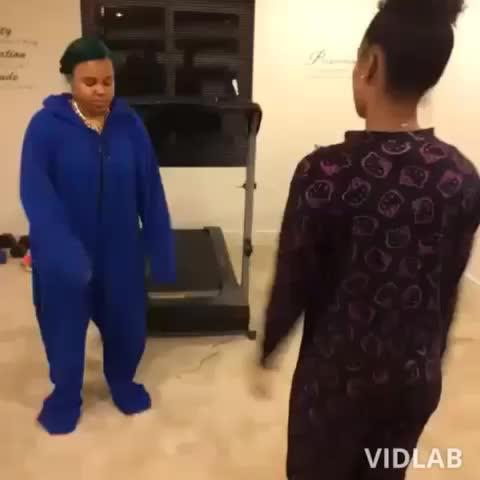 Vine by Jose NAF - I had to make this one #lmao #GirlsDanceToAnything #lol #spanish