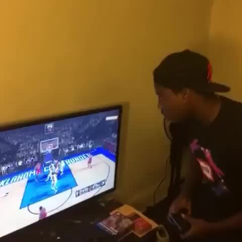 Jabbar Hakeems post on Vine - When You Losing In 2K . .  #YouOnlyWonCusImLegallyBlind - Jabbar Hakeems post on Vine