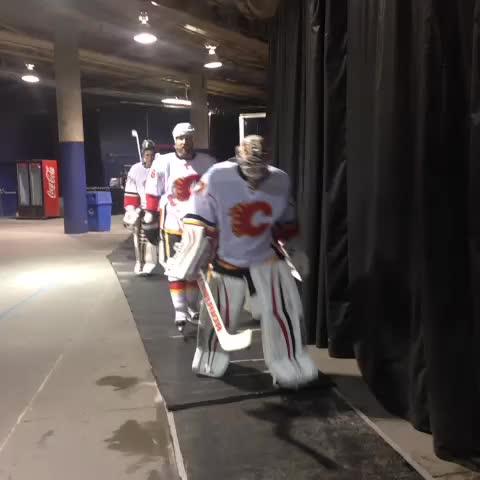 Calgary Flamess post on Vine - The boys head to the ice in #yeg! #CGYatEDM - Calgary Flamess post on Vine