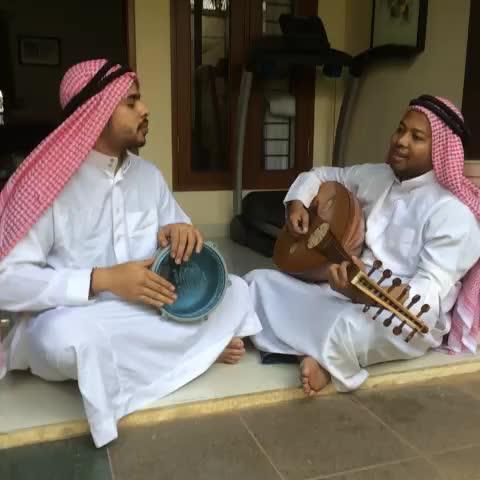 Duo Harbatahs post on Vine - Gambus Modern...#indovines #gambus - Duo Harbatahs post on Vine