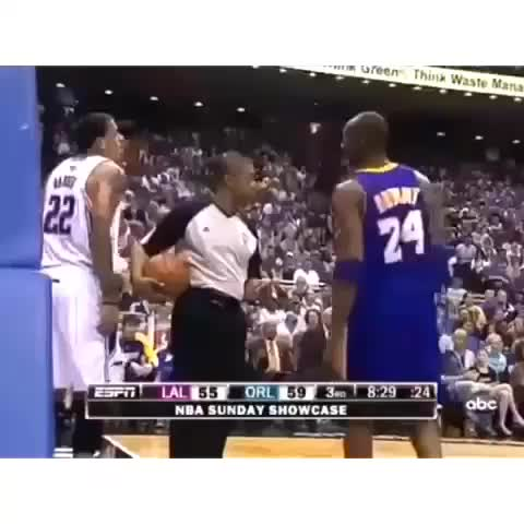 HYPEs post on Vine - Kobe doesnt flinch at all. 😂 #REPOST - HYPEs post on Vine