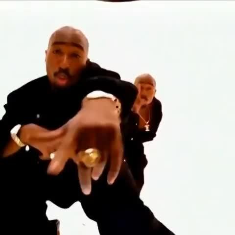 Headgraphix™s post on Vine - 90s Hip Hop Videos Be Like Pt.9 2pac - Hit Em Up ft. @2pac 😂😂😂😂 #90shiphopvideosbelike - Headgraphix™s post on Vine