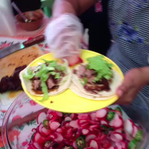 Llénate de Chiapass post on Vine - Tacos de cochito horneado en #ChiapadeCorzo @manolonajera #gastronomia - Llénate de Chiapass post on Vine