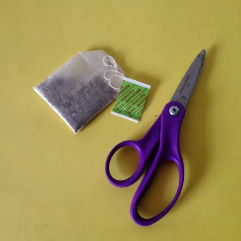 oh so tracys post on Vine - Vine by oh so tracy - Use an empty tea bag to make a tea rocket. #6secondscience