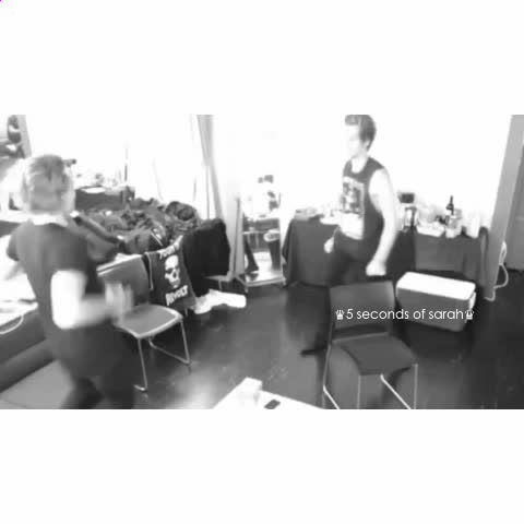 Vine by ♛5 seconds of sarah♛ - I BET YOU $500 THEY WERE LISTENING TO THIS SONG