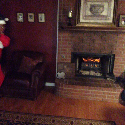 The difference between White Santa and Black Santa is extraordinary #ChrisJay - Chris Jäys post on Vine