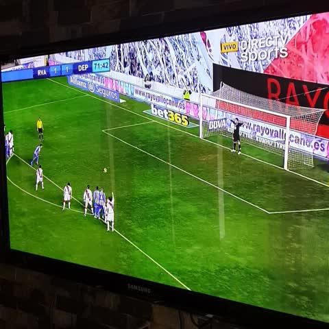 Vine by @DepLaCorunaVzlaVine - Gooooooool de Celso doblete del tico en su debut. Nos vamos arriba carajo
