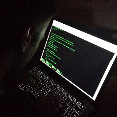 Matija Marohnićs post on Vine - #Programming in movies vs. programming in real life with @m_janko. #hacker - Matija Marohnićs post on Vine