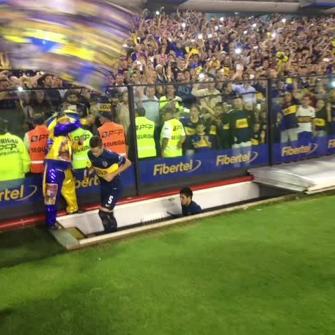 Boca Juniorss post on Vine - La salida de #Boca - Boca Juniorss post on Vine